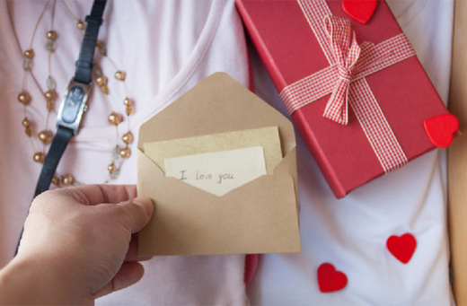 5 Tips to Make Anniversary More Special for Her